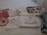 11 Piece Lot Kitchen Linens Towels Hot Pads Pot Holders Embroidery Terrycloth