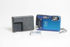 Olympus Stylus Tough TG-820 12MP Digital Camera w/5x Zoom Blue #113
