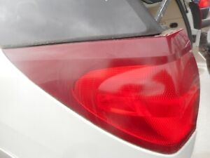 2004-2007 BUICK RENDEZVOUS LEFT DRIVERS SIDE TAIL LIGHT NICE OEM