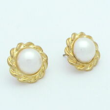 Ivory Pearl Button Earring Gold Plate Edge Classic and timeless New