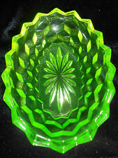 Green Vaseline glass oval salt dip cellar celt american pattern master / Uranium