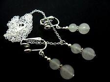 Un bonito collar de abalorios de jade blanco opaco y Clip en Pendiente Conjunto. Nueva.