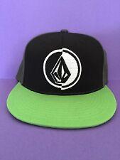 VOLCOM New NWT Mens Black Green Gray Center Logo HAT CAP 6 7/8-7 1/4 210 Flexfit