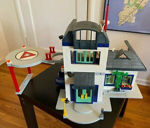 Playmobil #3988 City House (Used), includes helipad, police station conversion