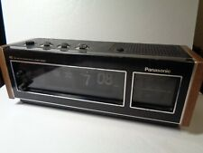 Vintage Portable Radio Clock Receiver PANASONIC  AM/FM/ Model RC-6493.