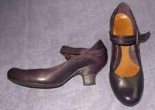 Clarks Mary Janes No Pattern Kitten Heels for Women