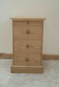 Woodstock   3 drawer bedside with slide. Wooden Knobs - Traditional - Pine