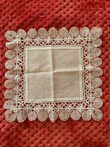 French Antique Handkerchief  - Bobbin lace edging on fine linon 27.5cm square