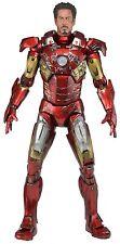 Avengers 1/4 Scale Figure Battle Damaged Iron Man w/ LED Lights - NECA / Marvel