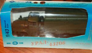 URAL 43206 TRUCK 4X4 - KHAKI Awning high board  w/ original box Elecon 1998