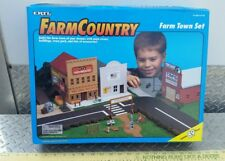 Ertl Farm Country Toy Building farm town cow sealed playSet s scale 1/64 nice