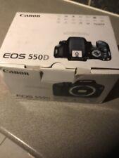 Canon EOS 550D Appareil Photo Reflex Numérique-Avec EF-S 75-300 mm 1:4-5.6 lll Lens + Extras