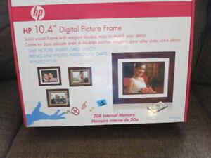 "Brand New HP 10.4"" Digital Picture Frame, model: df1010b3 1/2 pr shipping"