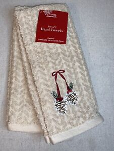 NWT Winter Wonderland Set of 2 Hand Towels Christmas - Acorn Embroidery