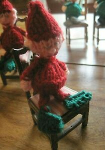 WOW A SMALL FESTIVE ELF SAT ON DOLLS HOUSE WOODEN CHAIR. FUN XMAS DISPLAY