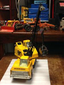 Nylint Mobile Crane Clamshell Shovel