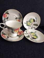 Bella Lux Gracie Bone China Set Of Four Sauces And One Pedestal Cup