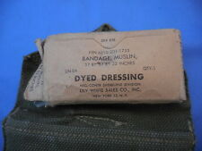US ARMY FIRST AID GI COMBAT BELT POUCH & BANDAGE PACKET OD GREEN COLOR WWII 1945