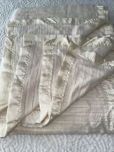 Vintage Acrylic Waffle Weave Thermal Blanket Queen King Ivory Satin Trim 102x92