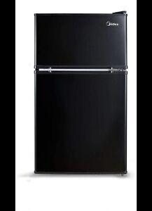 Midea WHD-113FB1 3.1 Cubic Feet Refrigerator - Black