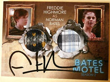 BATES MOTEL - FREDDIE HIGHMORE as Norman Bates - Double Costume + Autograph DCFH