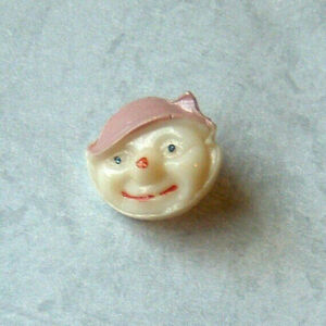 """VINTAGE REALISTIC PIXIE MAN FACE w/PINK HAT GERMAN GLASS """"KIDDY"""" BUTTON 1/2"""""""