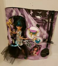 Mattel - Monster High - 2012 Ghouls Rule Cleo de Nile Doll New with all accessor