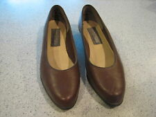 "PUDDLE JUM*PUDDLE JUMPERS by SOFT SPORTS BROWN LEATHER 1"" WEDGE HEELS SIZE 6.5.M"