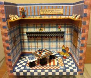 """Mary Engelbreit """"A Little Dab"""" Old Glory Room Box Dollhouse Miniatures 1:48"""