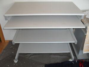 Computertisch mobiler Schreibtisch weiß mit Rollen ausziehbare Arbeitsfläche!