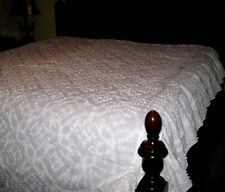 """109 x 97"""" WHITE SWAG RUFFLE VINTAGE CHENILLE BEDSPREAD FULL SIZE"""