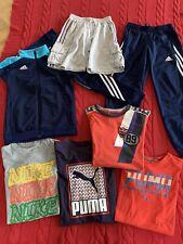 Sportsachen Paket Trainingsanzug adidas Hosen T-Shirts 134 140 NIKE PUMA GEOX