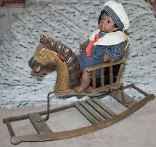 ?? Schaukelpferd aus Holz mit Puppe aus Porzellan ??