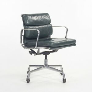 1980s Herman Miller Eames Aluminum Group Soft Pad Management Desk Chair Green