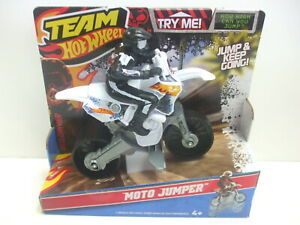 Team Hot Wheels 2011 Moto Jumper Motorcycle New in Box - Extremely Rare!!
