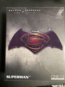 Superman One:12 Authentic - (Batman V Superman: Dawn Of Justice) - Mezco -