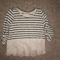 altar'd state Long Sleve/Lace Blouse. Womens Small Preowned.