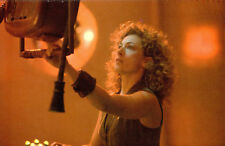 (P136x) Postcard Dr Who The Mysterious River Song