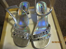 YOUTH~GIRLS~SODA~SILVER~SANDALS~SIZE 3.5