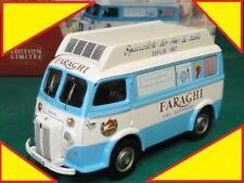 Camions miniatures bleus Corgi