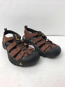 Keen Newport Brick Red Closed Toe Hiking River Waterproof Sandal Men's Sz 8 EUC