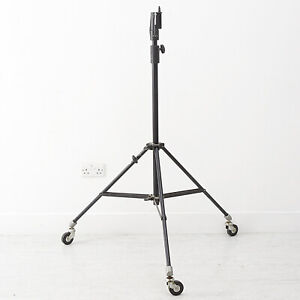 HEAVY DUTY PROFESSIONAL WHEELED MULTIBLITZ BOOM STAND Boom not Included Max 2.2m
