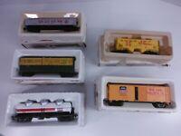 Bachmann HO Scale Box Car Lot (Union Pacific, Exxon, Northwestern, Southern)