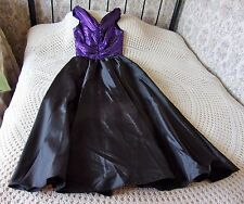 Full length vintage ballgown by HOPFUER MODELL Size 38 & 10 Black with purple