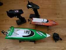 Lot of 2 Radio Control Racing Boats 2.4 Ghz & A Venom with Controllers Lqqk