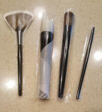 WAYNE GOSS Foundation 01, Face13 Lip 07 Fan 15 Makeup Brush