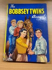 """1962 """"THE BOBBSEY TWINS ANNUAL"""" CHILDRENS LARGE ILLUSTRATED HARDBACK BOOK"""