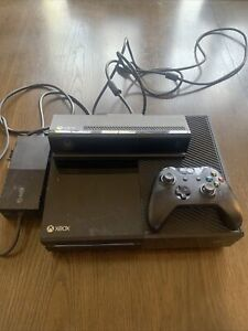 Microsoft Xbox One with Kinect Black Console - Model 1540