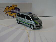 """Herpa 931076 - VW T6 Multivan """" Feuerwehr Basel """" in silber-blau metallic 1:87"""