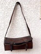 (n°1 ) ancienne sacoche vintage en cuir épais de plombier